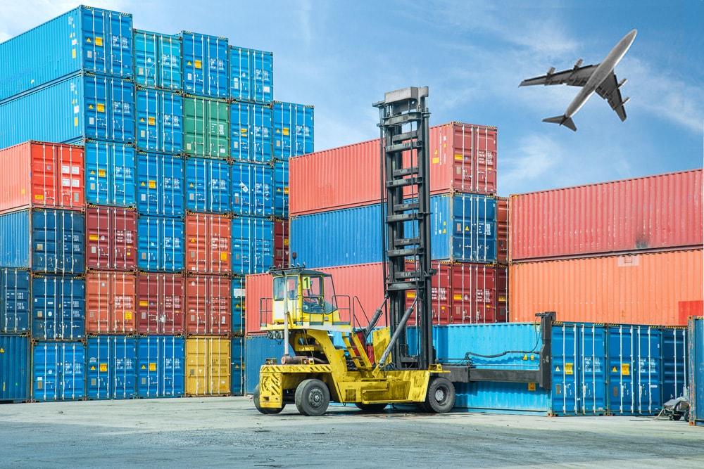 Transporter des marchandises par voie maritime